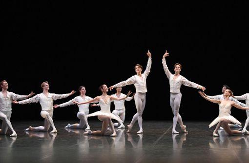 weiss auf weiss, stuttgarter ballettintendant gibt einstand: tamas detrich setzt, Innenarchitektur