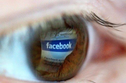 Die neuen Facebook-Regeln werden von Datenschützern und Verbrauchern heftig kritisiert. Foto: dpa