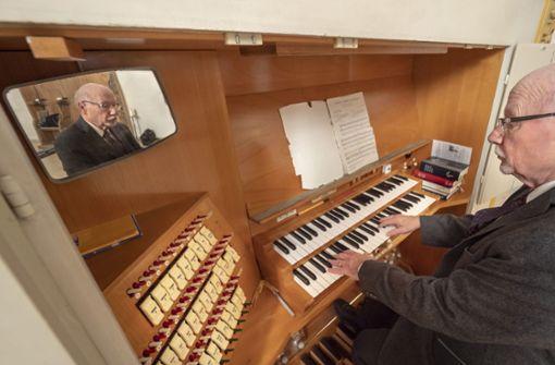 Orgelpfeifen und andere Pfeifen