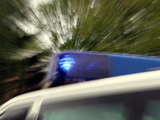 Fahrer rettet sich aus der Nagold