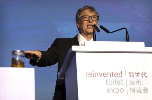 """Gates sprach auf der """"Reinvented Toilet Expo"""", einem Forum seiner Stiftung, auf dem zahlreiche innovative Toilettentechnologien vorgestellt wurden, die ohne Kanalisationsanschluss funktionieren. Foto: AP"""