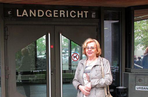 Ingrid Steineck, Tochter des früheren Porsche-Abteilungsleiters Erwin Komenda, fordert eine nachträgliche Anerkennung der Arbeit ihres Vaters. Foto: dpa