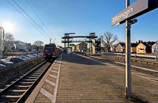 Die  bestehende Aufzugsanlage wird  über die Gleise hinweg erweitert. Foto: factum/Weise