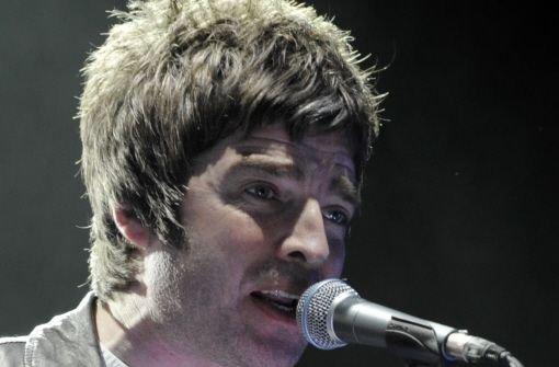 Zwei Jahre nach der Trennung von Oasis singt Noel Gallagher in seiner neuen Band Beady Eye.    Foto: AP