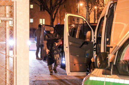Bewohner attackieren Polizei – Großeinsatz im Anker-Zentrum
