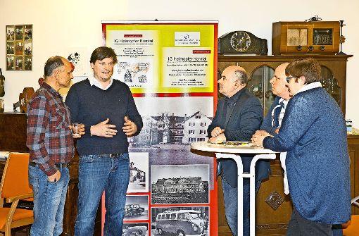 Ulrich Weber (zweiter von links) war im März 2016 erstmals  zur Unterstützung der beiden Opfergruppen in Stuttgart. Foto: Rudel