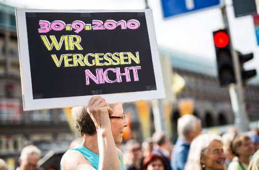Mehr als 1000 Demonstranten in Stuttgart
