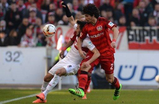 Dem VfB (Lukas Rupp/li., gegen André Ramalho) Foto: dpa