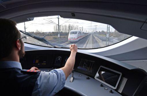Steinwurf auf ICE Erfurt-Nürnberg
