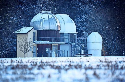 Zu den drei Kuppeln der Sternwarte wird bald eine  vierte kommen. Foto: Gottfried Stoppel