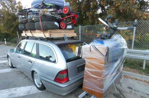 Völlig überladen – Mercedes auf A8 gestoppt