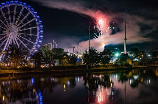 Volksfest endet mit Feuerwerk