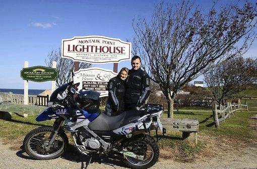 Heike Olbrich und Moritz Gödrich vor einem Park an der Ostküste der USA. Foto: z