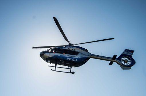 Polizei sucht mit Hubschrauber nach Zündler