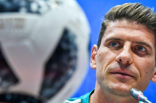 VfB-Stürmer Mario Gomez genervt vom TV-Wirrwarr