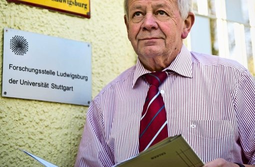 Kurt Schrimm vor seinem Institut in Ludwigsburg. Foto: Max Kovalenko