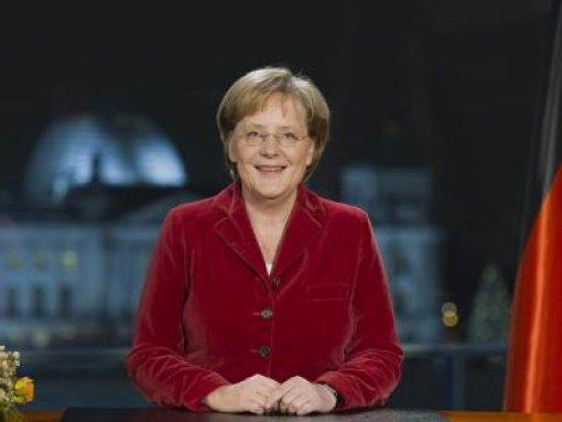 Merkel stimmt Bürger auf schwierige Zeiten ein