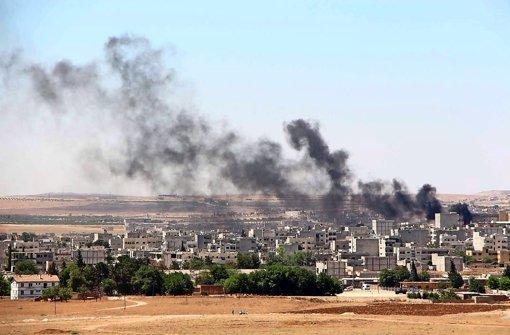 Vor Wochen eroberten kurdische Kämpfer die syrisch-türkische Grenzstadt Foto: EPA