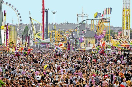 Stadtmarketing und Umweltschützer streiten darüber, ob Stuttgart mehr Großveranstaltungen wie das Volksfest braucht oder nicht. Foto: Lichtgut/Oliver Willikonsky