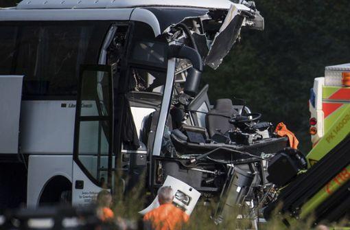 Deutscher Reisebus verunglückt beim Lago Maggiore – Viele Verletzte