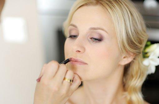 Das Braut-Make-up muss halten