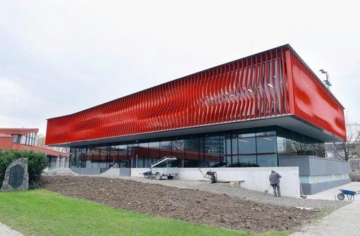 Das neue Nachwuchsleistungszentrum des VfB Stuttgart ist ein wahrer Prachtbau. Am Mittwoch wird die Talentschmiede offiziell eröffnet. Wir haben die Bilder vom Leistungszentrum. Foto: Pressefoto Baumann
