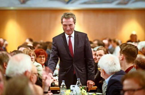 Oettinger schwört CDU auf Europawahl ein