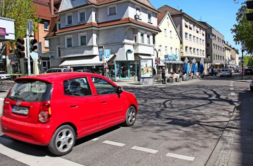Für die Kreuzung Stuttgarter Straße/Grazer Straße  haben die Verkehrsplaner der Stadt zwar erste Entwürfe  entwickelt, weiterverfolgt werden diese derzeit jedoch nicht. Foto: Georg Friedel