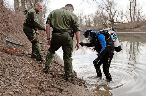 Polizei birgt Toten aus dem Rhein
