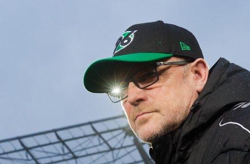 Thomas Schaaf rangiert zurzeit mit Hannover 96 ganz unten in der Bundesliga-tabelle Foto: dpa