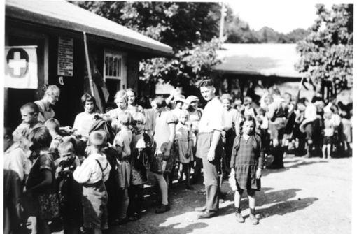 Das Waldheim Sillenbuch wurde 1909 eröffnet und ist damit das zweitälteste der Stadt. Das Bild zeigt das Waldheim im Jahr 1920. Benannt wurde es nach der Frauenrechtlerin und Friedensaktivistin Clara Zetkin, die das Waldheim mitgründete.   Foto: Waldheim Sillenbuch