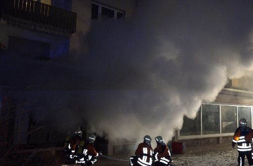 Nächtlicher Brand in einem Lokal