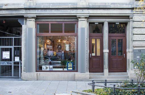 Von außen ist die Einrichtung der Caritas Stuttgart nicht von einem gewöhnlichen Café zu unterscheiden.  Foto: Beate Pundt