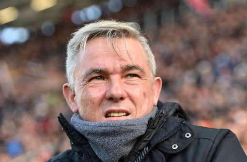 Olaf Janßen muss den FC St. Pauli verlassen. Foto: dpa