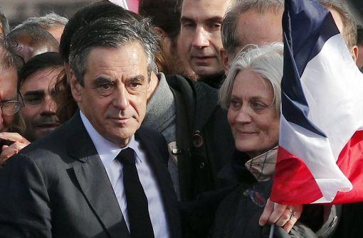 Ex-Präsident Sarkozy schaltet sich in Krise um Fillon ein
