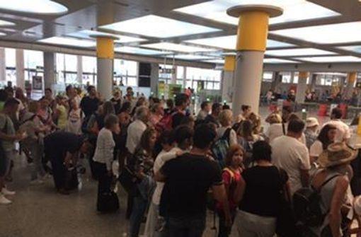 Fehlende Passagiere sorgen für weitere Verspätung
