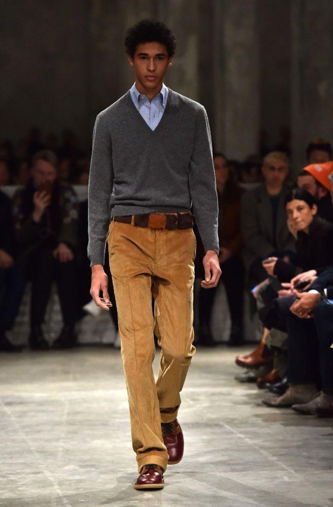211d8488d86a2 Fotostrecke Fashion Week in Mailand Prada zeigt Mode-Trends für den Herbst
