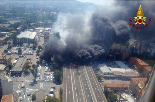 Tanklastzug explodiert – zwei Tote viele Verletzte