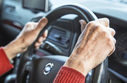 In 2014 waren in 1400 Unfälle waren Senioren verwickelt. 60 Prozent davon verursachten sie selbst, ab dem 75. Lebensjahr waren Senioren sogar zu zwei Dritteln Unfallverursacher. Foto: fotolia