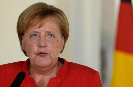 Angela  Merkel gegen  Linke Annäherung