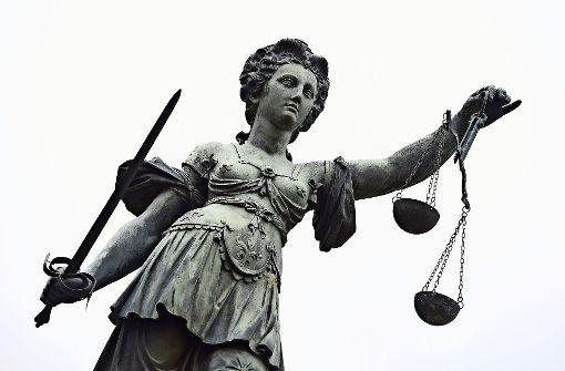 Eine 30-Jährige muss sich wegen einer Kindstötung vor dem Landgericht verantworten. Foto: dpa