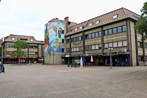 Der Bahnhofsvorplatz und das Einkaufs- und Kulturzentrum sollen attraktiver gestaltet werden. Foto: Bernd Zeyer