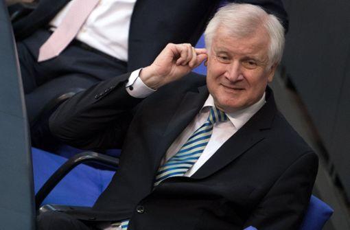 Bremer Bamf-Skandal bringt Seehofer in Zugzwang
