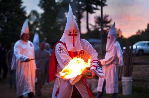 Die Böblinger Bereitschaftspolizei steht unter Verdacht, in ihren Reihen Beamte mit Ku-Klux-Klan-Kontakten zu   haben. Nicht nur zwei. Und der Kontaktmann hatte Besuch aus Ostdeutschland. Foto: dpa