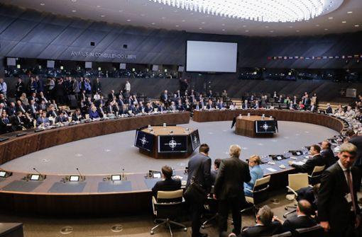 Beim Nato-Gipfel ist eine Sondersitzung zum Streit um die Verteidigungsausgaben angesetzt worden. Foto: AP