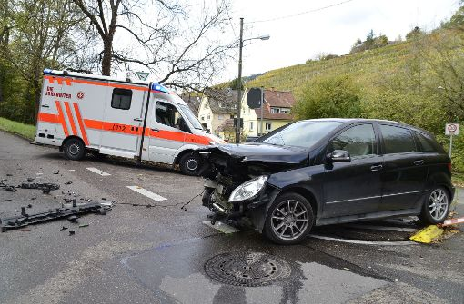 Am Dienstag ist es zu einem schweren Unfall in Stuttgart-Mühlhausen gekommen. Foto: Andreas Rosar Fotoagentur-Stuttgart