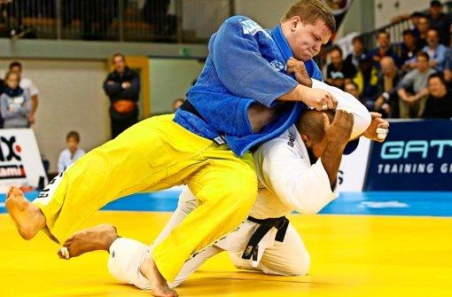 Geballte Kraft: Judoka Sven Heinle im gelb-blauen Dress des KSV Esslingen. Foto: Baumann