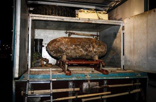 In einem Lkw wurde die 500 Kilogramm schwere Bombe am Mittwoch abtransportiert (Archivfoto). Foto: Lichtgut/Leif Piechowski