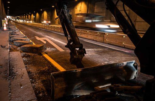Die Ferien haben begonnen, die Bagger rollen an – wie hier im Schwanenplatztunnel zwischen Stuttgart und Cannstatt. Foto: Lichtgut/Max Kovalenko