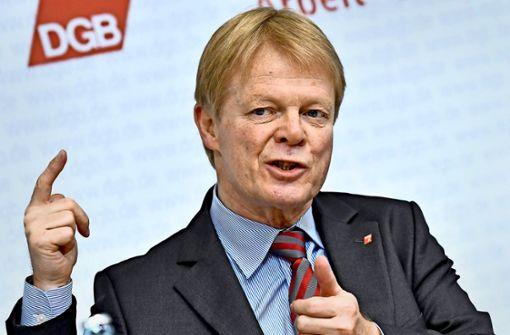 DGB-Chef Reiner Hoffmann sieht gewerkschaftsfeindliche Listen bei Betriebsratswahlen  als Randphänomene. Foto: dpa